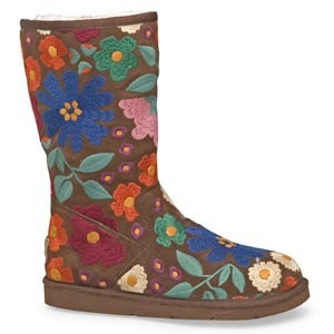 » UGG Boots - Welcome (back) To The Rabbit Hole My Shoe Living: Daily News and Reviews on shoes!